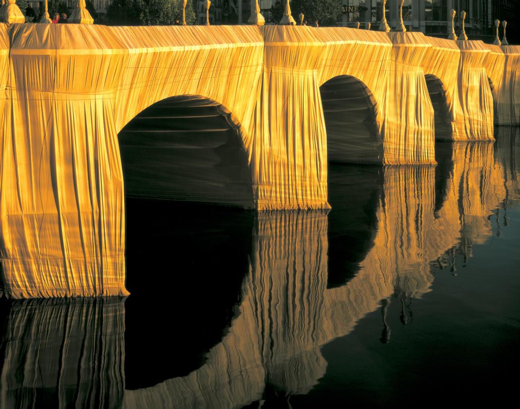 1975-The-Pont-Neuf-Wrapped-Paris-1975-85-