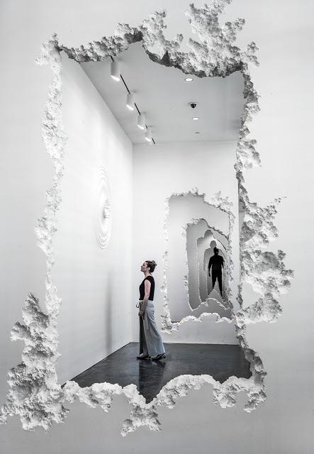 Artista-Daniel-Arsham-intaglia-90-metri-di-parete-nel-museo-darte-SCAD-wall-excavation-ddarcart-02