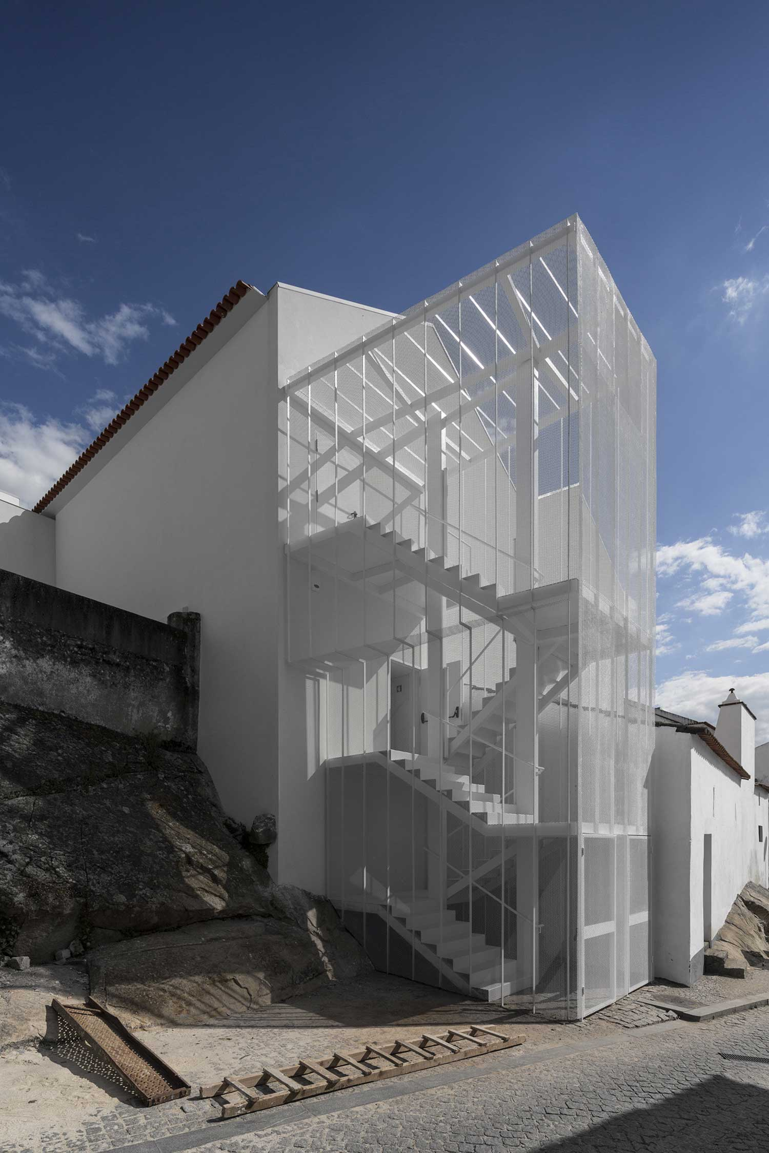 Tapestry-Museum-By-CVDB-Architects-Portugal-Yellowtrace-14