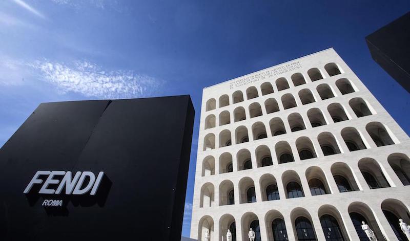 """La nuova sede di Fendi a Palazzo della Civiltà, """"Il Colosseo quadrato"""", nel quartiere Eur di Roma 22 ottobre 2015 (ANSA/ANGELO CARCONI)"""