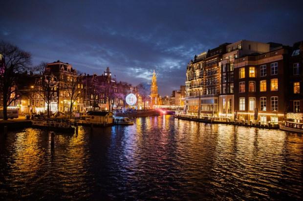 iDesignMe-Amsterdam-Light-Festival-VanDenEijnden-city